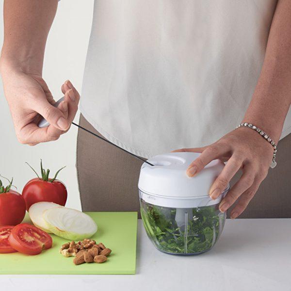 CHOP&STORE Hachoir à légumes manuel4